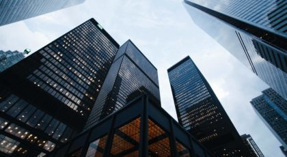 Le ministre des Finances a exhorté les grandes entreprises à ne pas verser de dividendes cette année